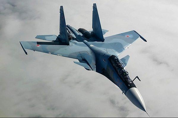 ویژگیها و دلایل تمایل ایران برای خرید جنگنده سوخو ۳۰ / ایران دنبال «حمله از جناحین»