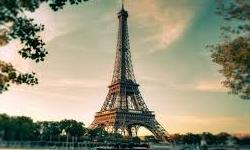 زن فرانسوی با برج ایفل ازدواج کرد! +عکس