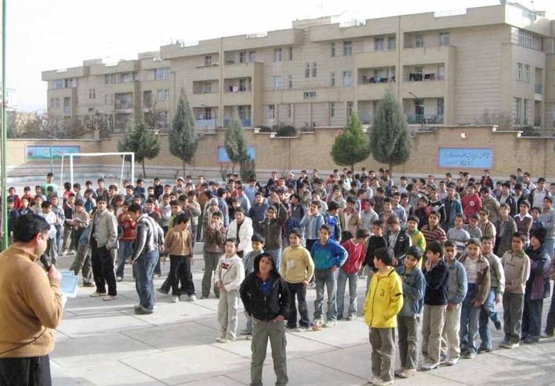 سختی زندگی و نداشتن شناسنامه بخشی از کودکان ایران را از تحصیل محروم کرده است