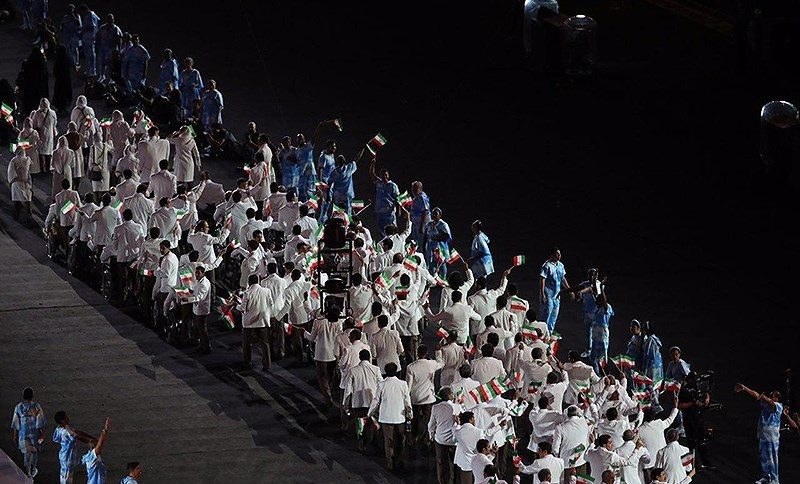 پرچمدار کاروان «منا» با لباس «احرام» رژه رفت + عکس و فیلم/ مسی در مراسم افتتاحیه پارالمپیک ۲۰۱۶!