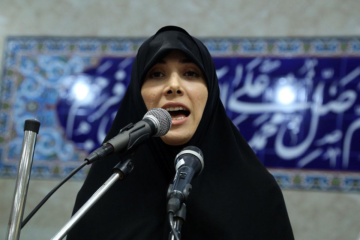 چه کسی به اتهامات صفدر حسینی و دخترش رسیدگی میکند؟