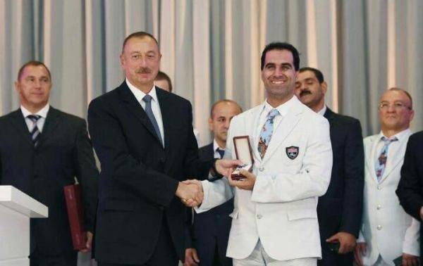 بالاترین نشان کشور آذربایجان به مهماندوست اهدا شد +عکس