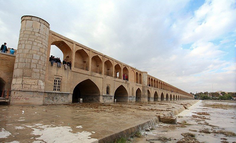 زاینده رود مطالبه بهحق مردم اصفهان است