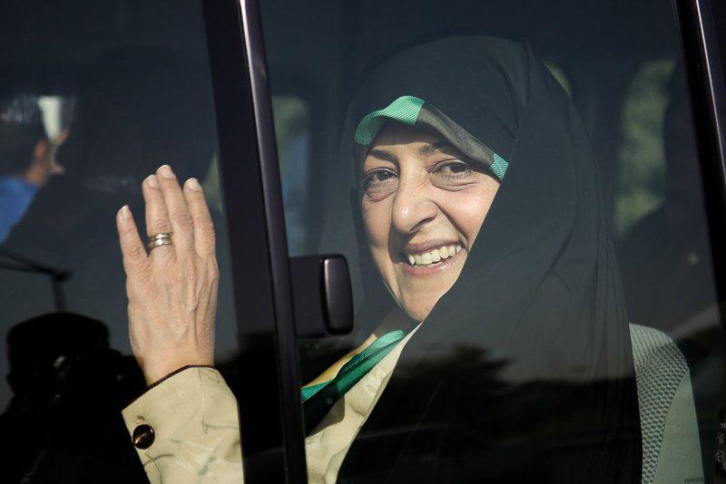 دولت تدبیر و امید با اصفهان قهر کرده/خانم ابتکار از سفر قبلی تا کنون برای مردم چه کردید؟