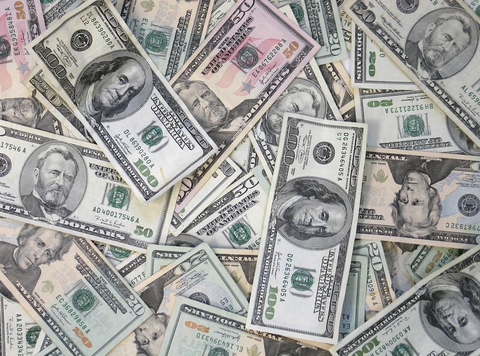 دولت قادر به تکنرخی کردن ارز و تأمین نیاز بازار نیست