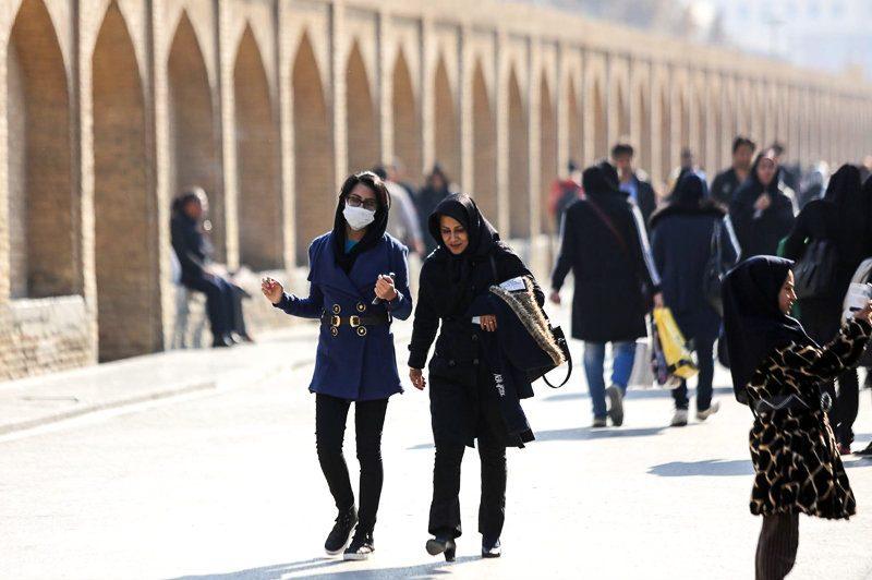 دیگر مجالی برای تنفس باقی نمانده/ مسؤولان میگویند آلودگی هوای کلانشهرها طبیعی است