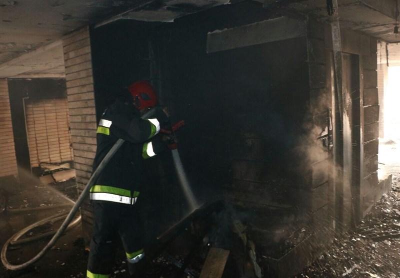 خانواده اصفهانی از میان شعلههای آتش نجات یافتند