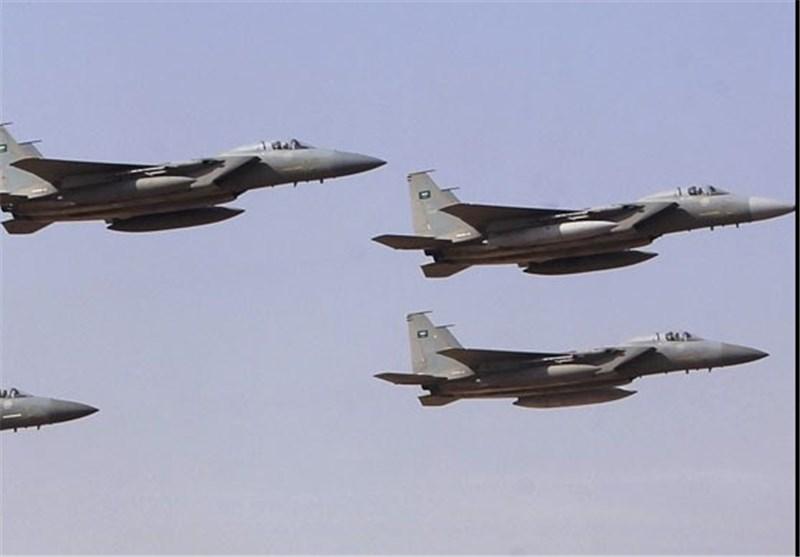 جنگندههای سعودی فرودگاه بینالمللی صنعا را بمباران کردند