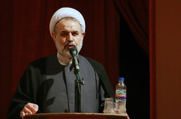 روحانیون مانند دوران انقلاب، انقلابی عمل کنند