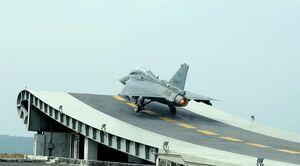 عاقبت تلخ اعتماد ۲۵ ساله ارتش هندوستان به طراحی فرانسوی و موتور آمریکایی/ از جنگنده «تجاس» الهام بگیریم یا عبرت؟! +عکس