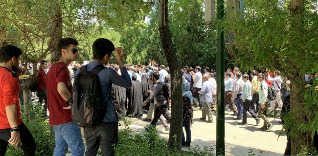ماجرای تجمع در دانشگاه تهران چه بود؟/ دانشجویان در حصار بیتدبیری+ فیلم و عکس