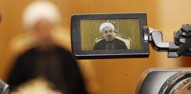 روحانی در مراسم آبرسانی به ۶۰ روستا: دولت که صداوسیما ندارد خدمات خود را بگوید!/ ۱۰۰/۰۰۰ خبر، ۵۰۰۰ گزارش و ۱۱/۰۰۰ ساعت برنامه برای دولت تنها در سال ۹۷!