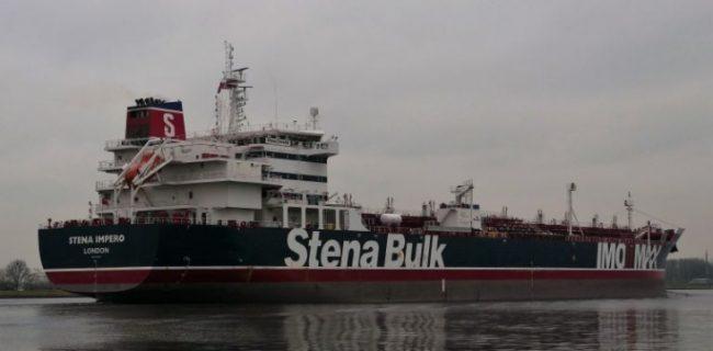 سیلی محکم نیروهای مومن نظام به انگلیس/ نفتکش Stena Impero بریتانیا در تنگه هرمز توسط سپاه توقیف شد/ کشتی Mesdar پس از توقیف و توجیه، به مسیر اصلی خود بازگشت/