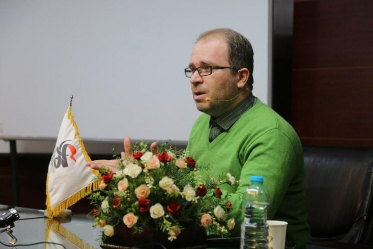 رهبرانقلاب فرمودند در تقویت جریان انقلابی و مومن صریح باشید/ طنز باید در خدمت اهداف و آرمانهای ملت ایران و مبارزه با دشمن باشد