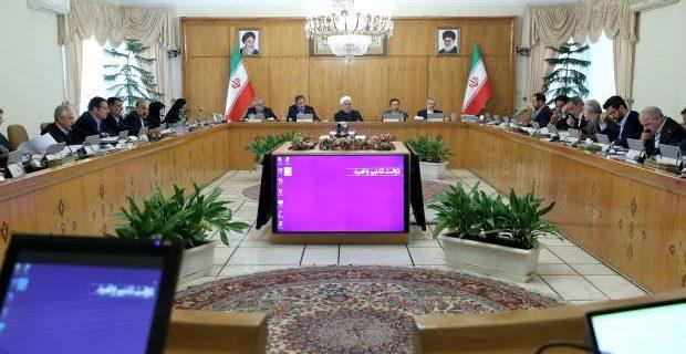 کار دولت روحانی از نوکری به منتگذاری رسید/ خدا را شکر کنید که ما سر کار هستیم