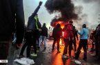 """فیلم/ """"اشرار"""" قرآنها را جمع کردند و آتش زدند"""