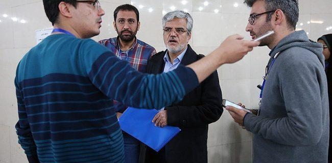 محمود صادقی دنبال استعفا بود ولی برای انتخابات مجلس ثبت نام کرد/ استند آپ کمدی آقای انتحار!